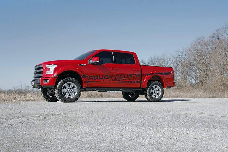 Rough Country 4 In Suspension Lift Kit For 2015 2018 Ford F 150 4wd