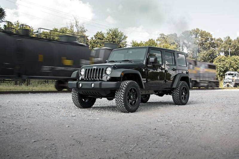 PERF678-2.5-inch Suspension Lift System w// Performance 2.2 Shocks Rough Country