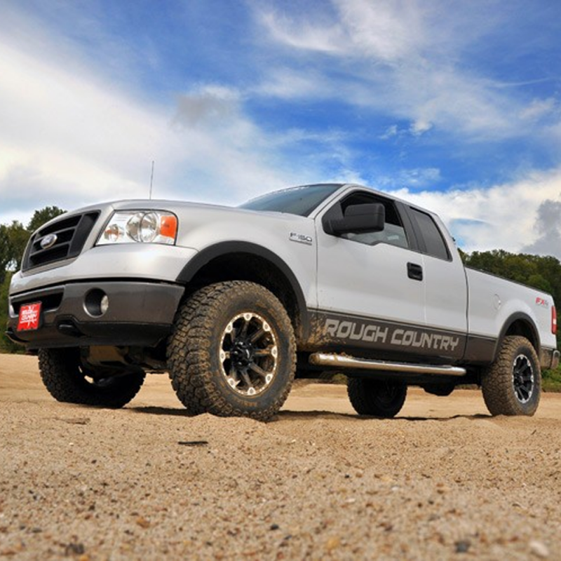 Ford Lift Kits: Rough Country 2.5in Leveling Lift Kit