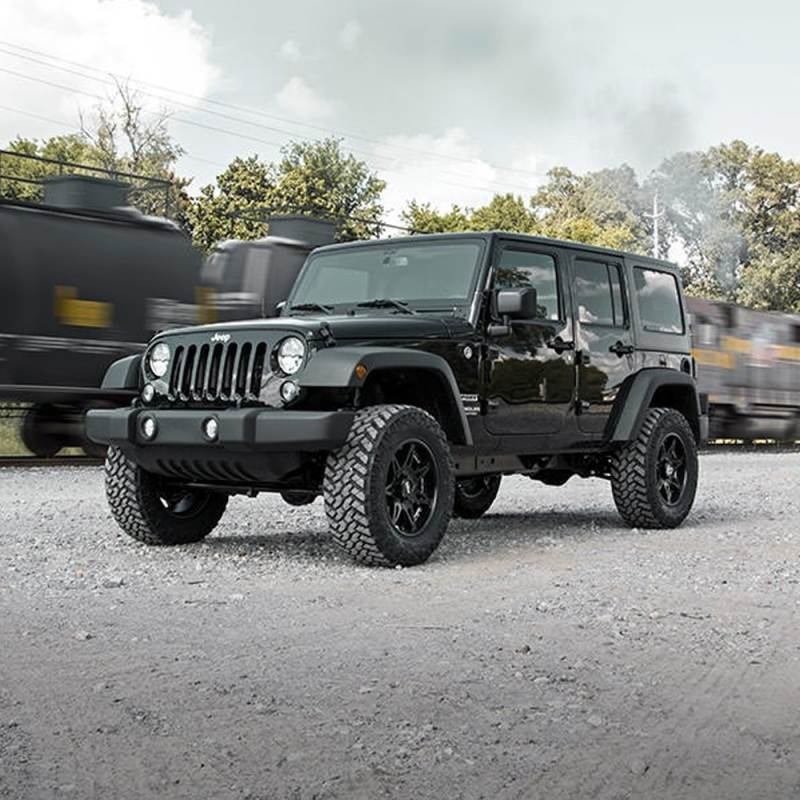Rough Country 2.5 In Suspension Lift Kit with Performance