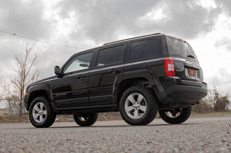 Rough Country 2in Lift Kit | 2007-2017 Jeep Patriot 2WD ...