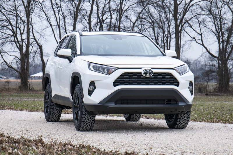Rough Country 2 5in Suspension Lift Kit   2019 Toyota RAV4   Dale's