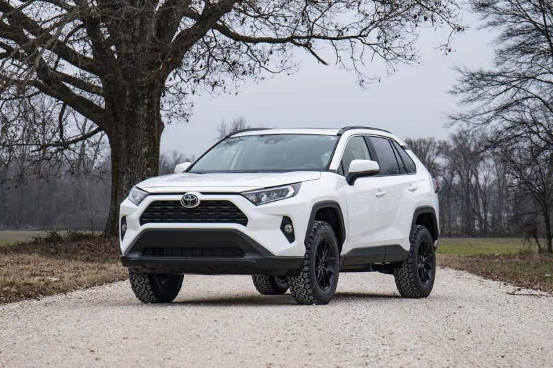 Rough Country 2 5in Suspension Lift Kit | 2019 Toyota RAV4 | Dale's